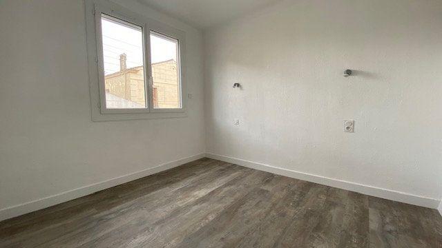 Appartement à louer 3 50m2 à Perpignan vignette-4