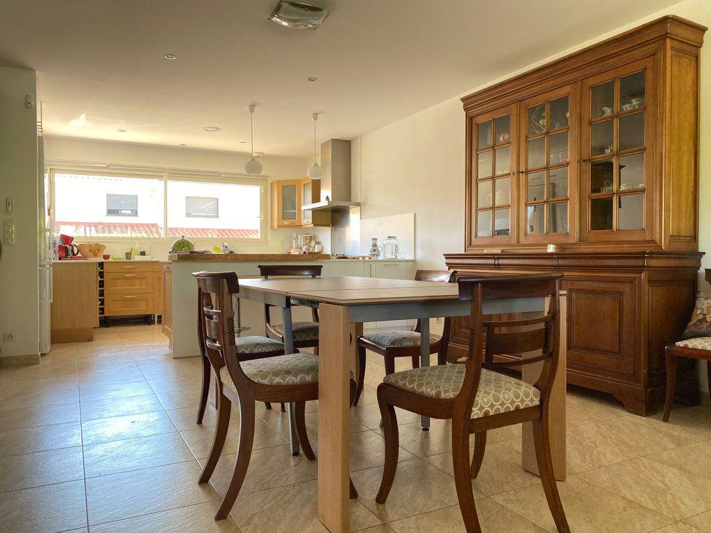 Maison à vendre 4 117.09m2 à Cabestany vignette-1