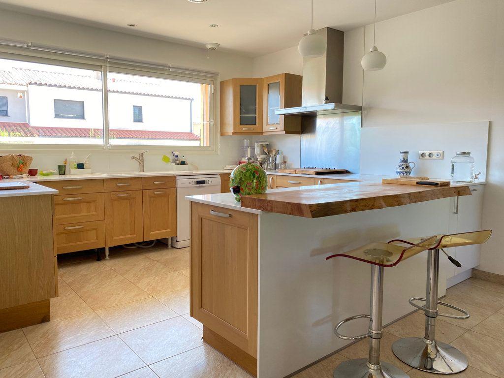 Maison à vendre 4 117.09m2 à Cabestany vignette-2