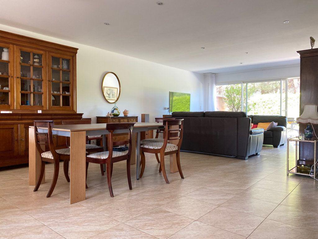Maison à vendre 4 117.09m2 à Cabestany vignette-3