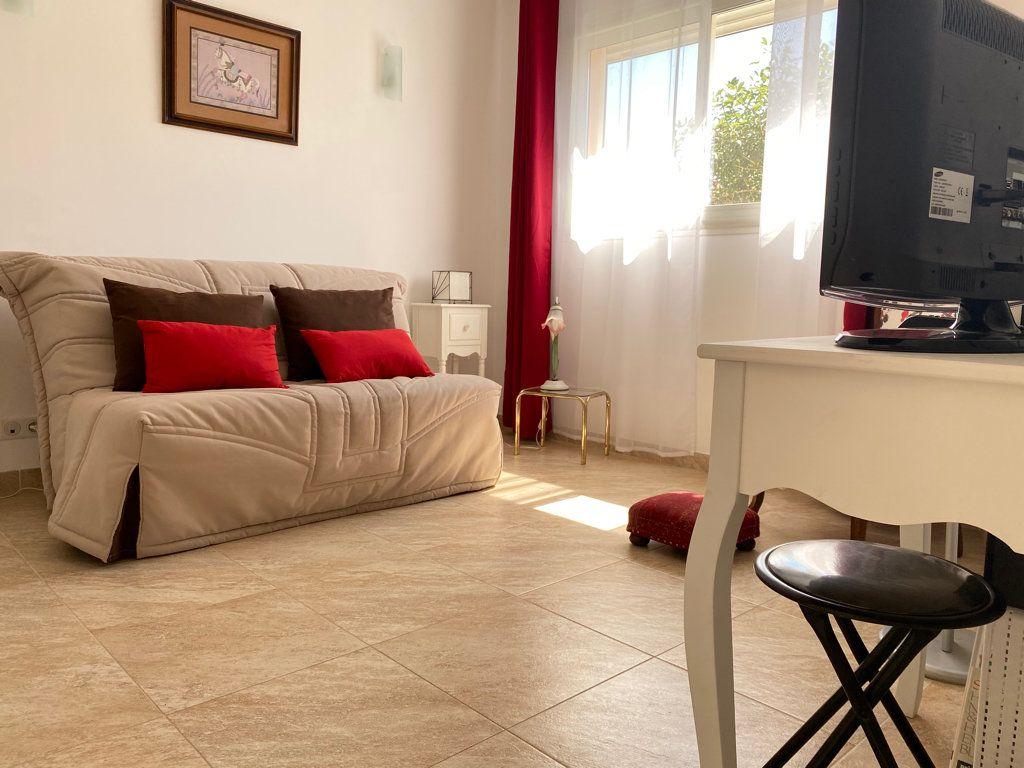 Maison à vendre 4 117.09m2 à Cabestany vignette-4