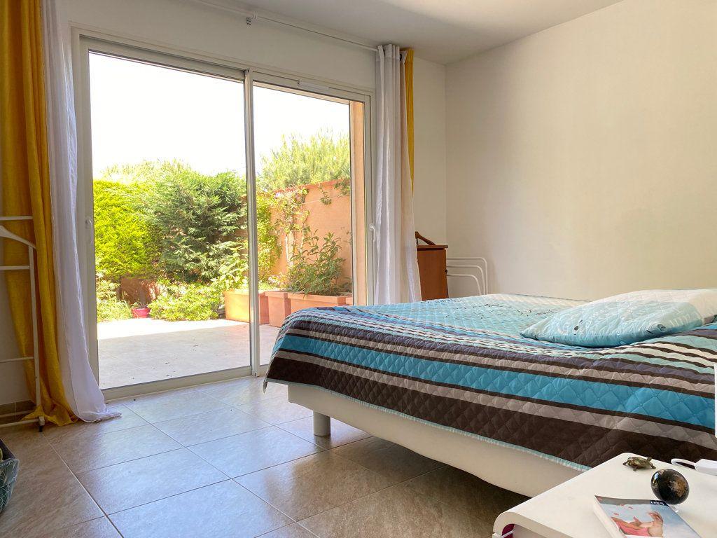 Maison à vendre 4 117.09m2 à Cabestany vignette-6