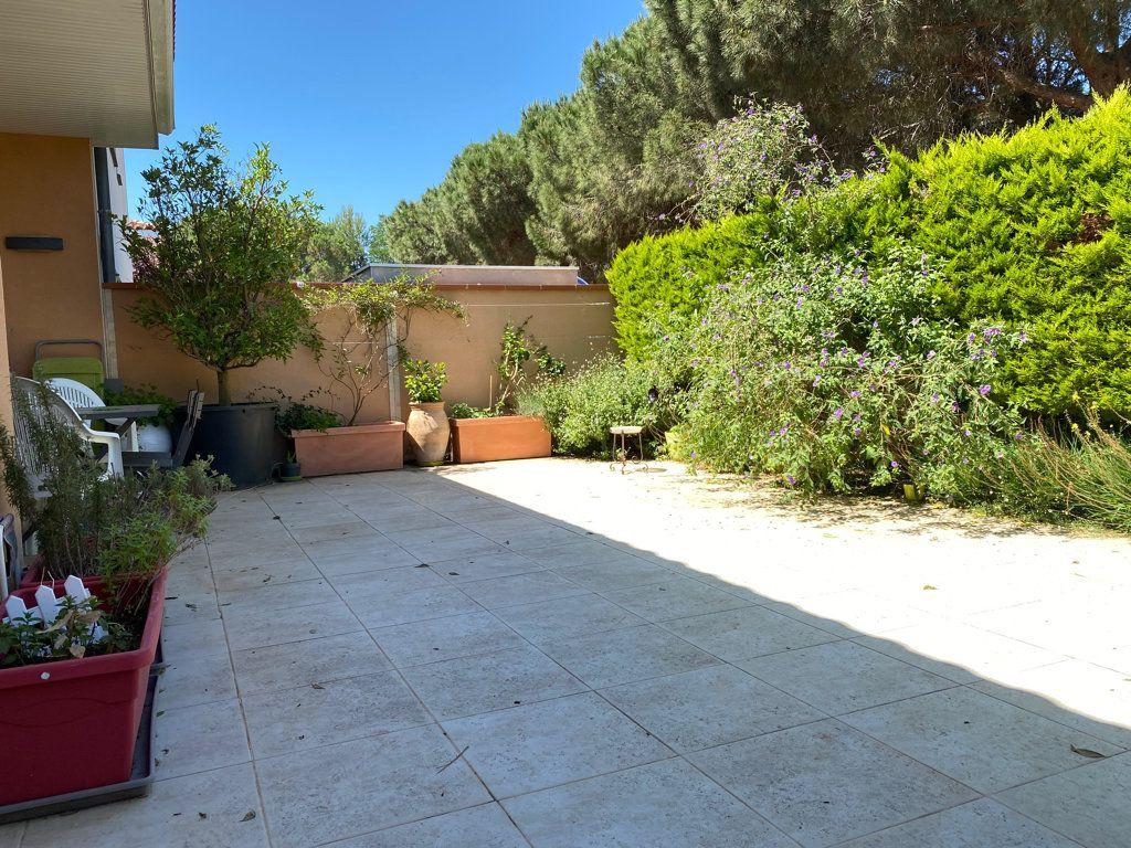 Maison à vendre 4 117.09m2 à Cabestany vignette-8