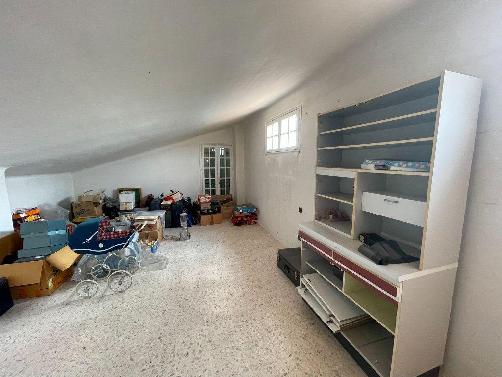 Maison à vendre 7 205m2 à Perpignan vignette-13