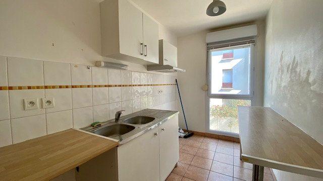 Appartement à louer 3 63m2 à Perpignan vignette-1
