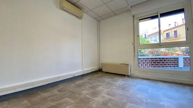 Appartement à louer 3 47m2 à Perpignan vignette-3
