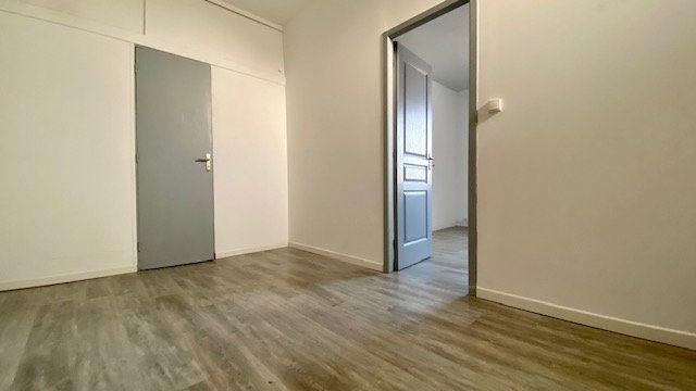 Appartement à louer 2 25m2 à Perpignan vignette-3
