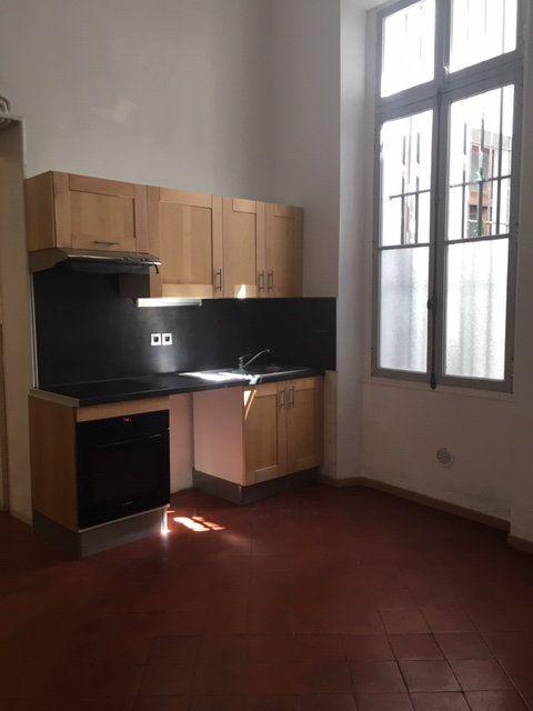 Appartement à louer 3 106m2 à Perpignan vignette-2