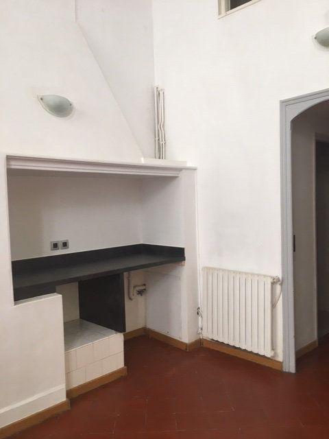 Appartement à louer 3 106m2 à Perpignan vignette-3