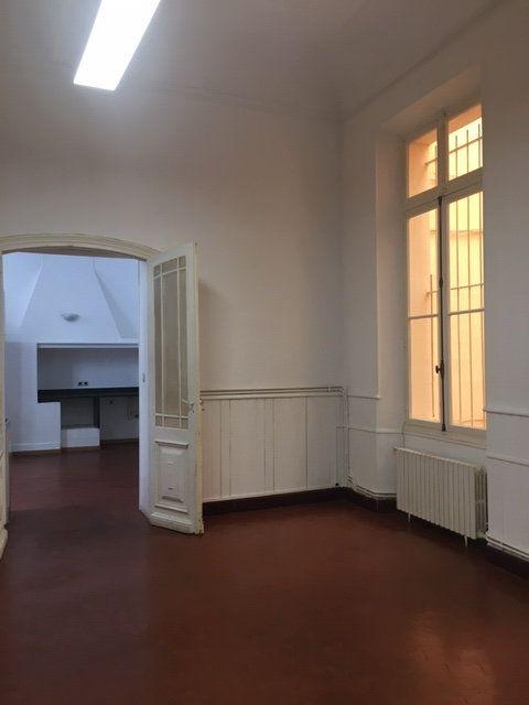 Appartement à louer 3 106m2 à Perpignan vignette-4