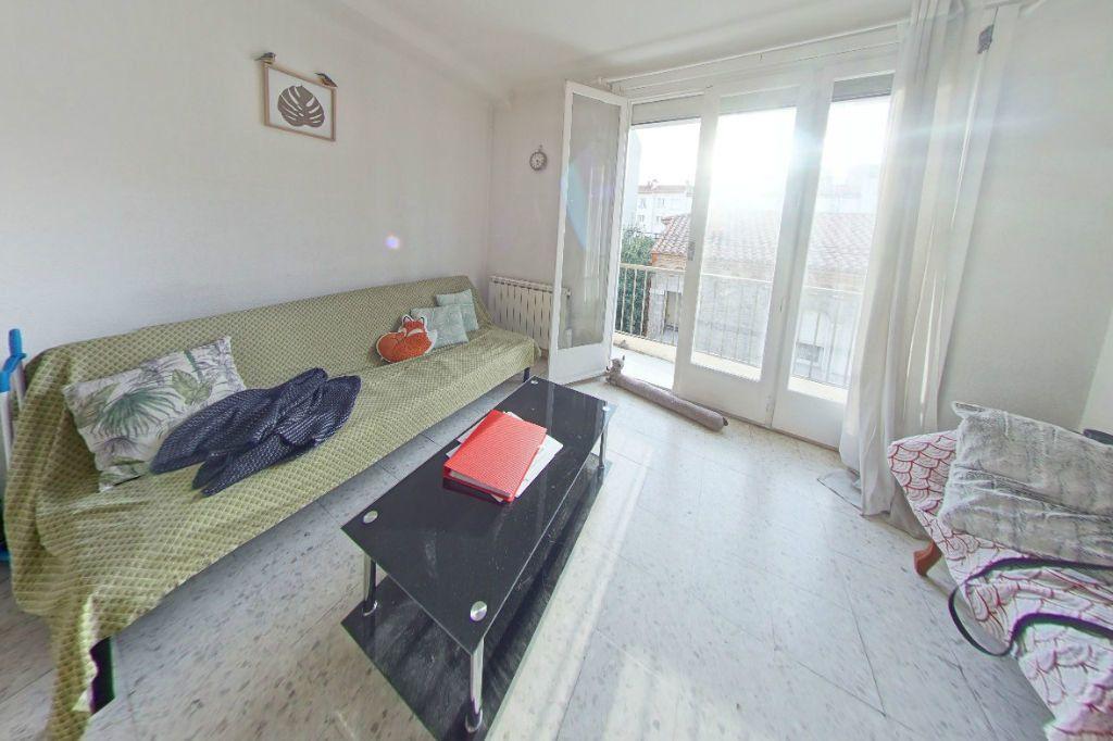 Appartement à louer 2 37m2 à Perpignan vignette-1