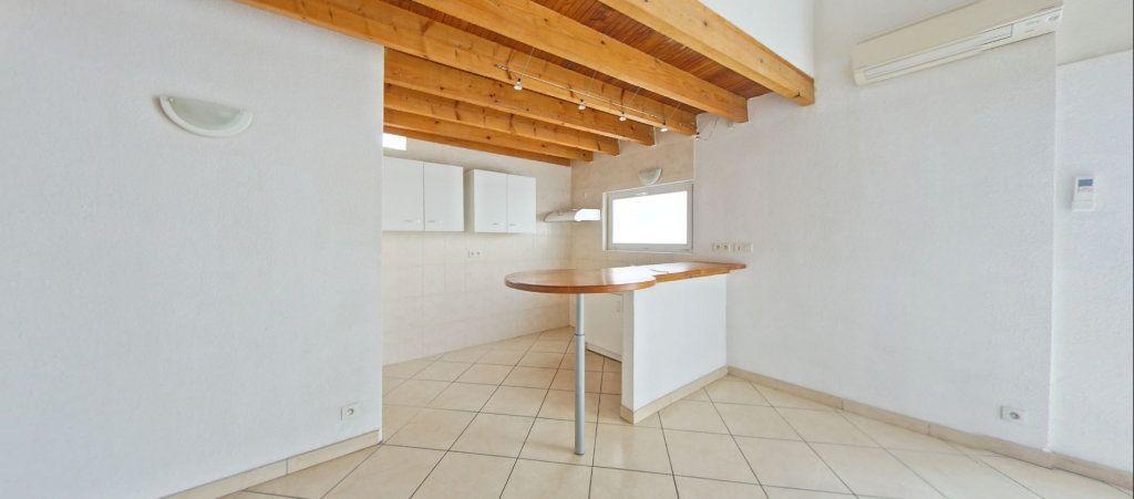 Appartement à louer 4 75m2 à Le Soler vignette-1