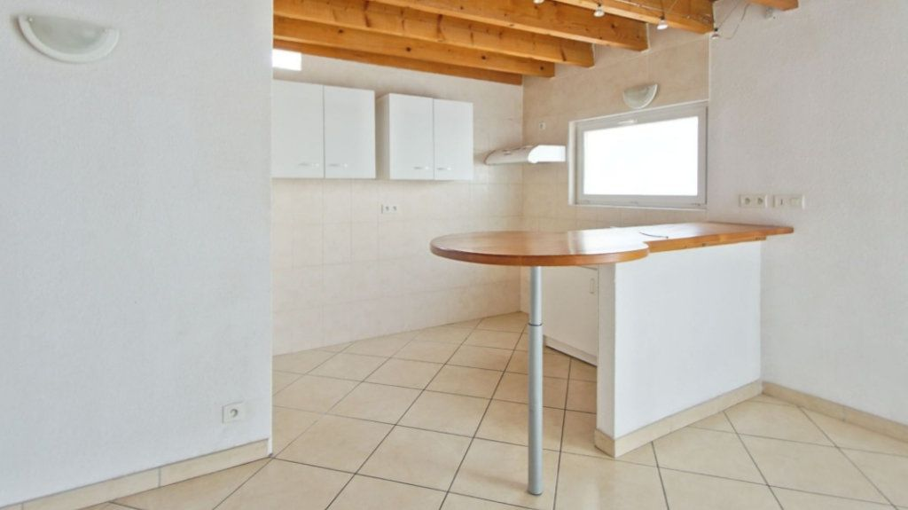Appartement à louer 4 75m2 à Le Soler vignette-4