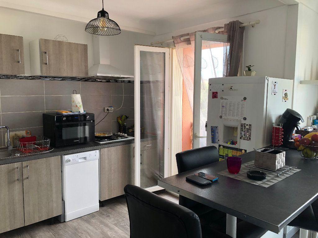 Appartement à vendre 3 71m2 à Perpignan vignette-3