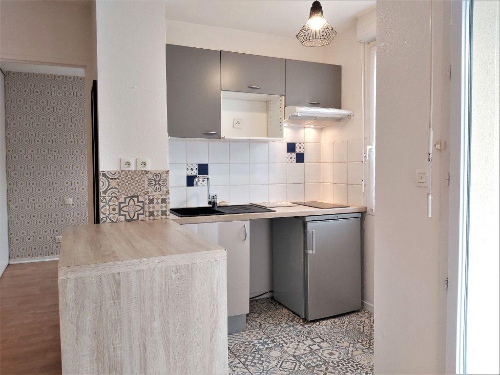 Appartement à vendre 3 50.86m2 à Toulouse vignette-3