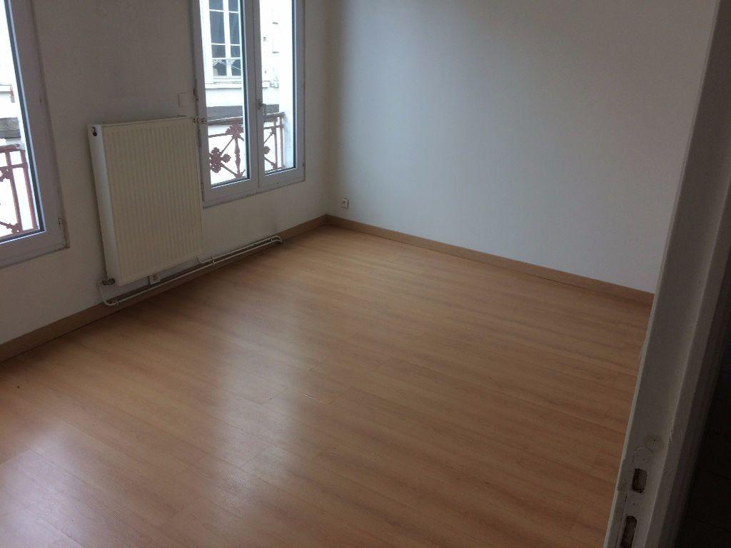 Appartement à louer 3 60m2 à Mamers vignette-11
