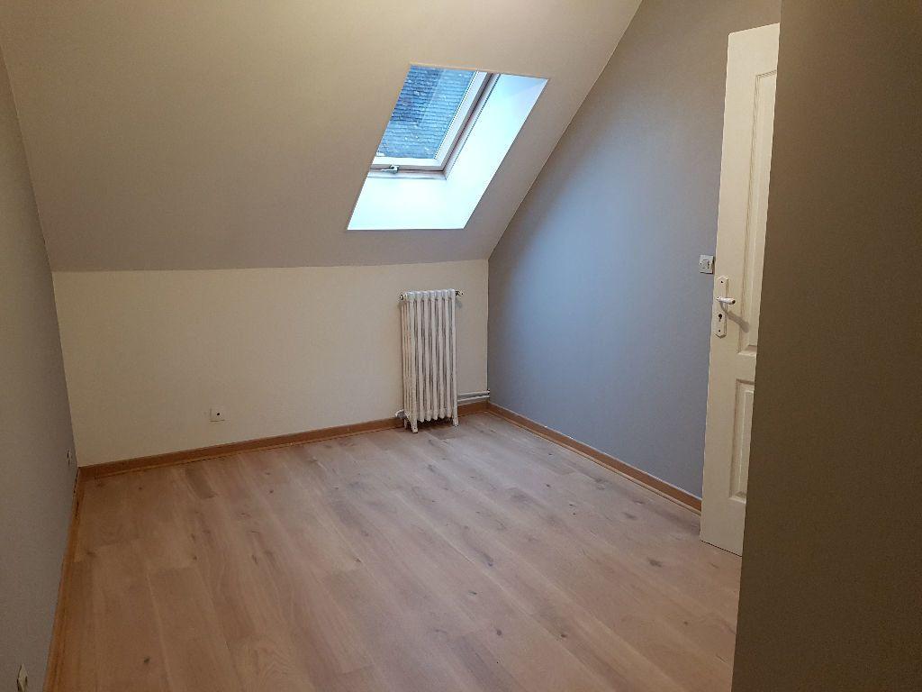 Maison à louer 4 80m2 à Mamers vignette-6