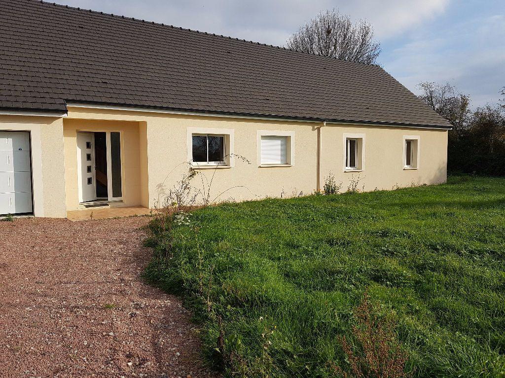 Maison à vendre 7 251m2 à Neufchâtel-en-Saosnois vignette-1