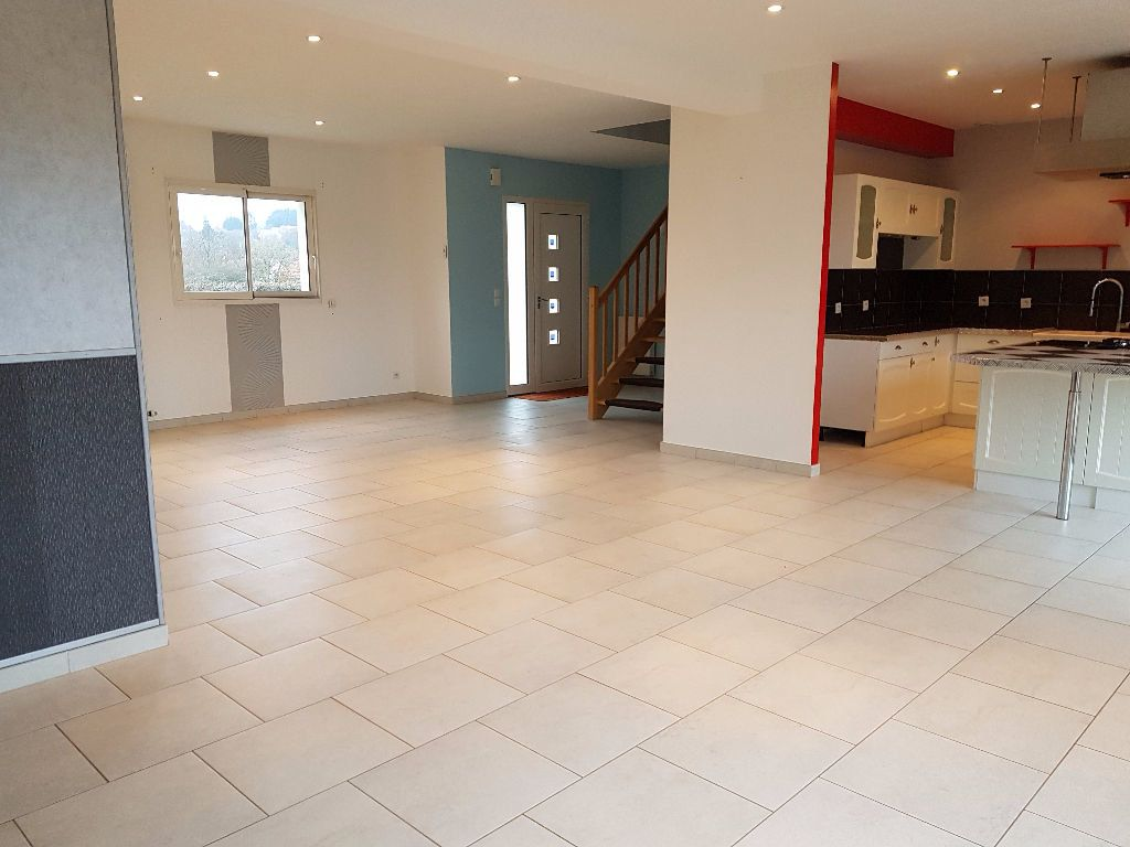 Maison à vendre 7 251m2 à Neufchâtel-en-Saosnois vignette-3