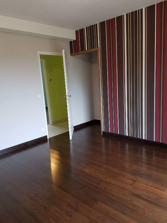 Maison à vendre 7 251m2 à Neufchâtel-en-Saosnois vignette-6