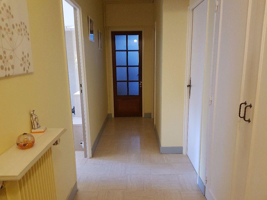 Appartement à louer 3 60m2 à Mamers vignette-2