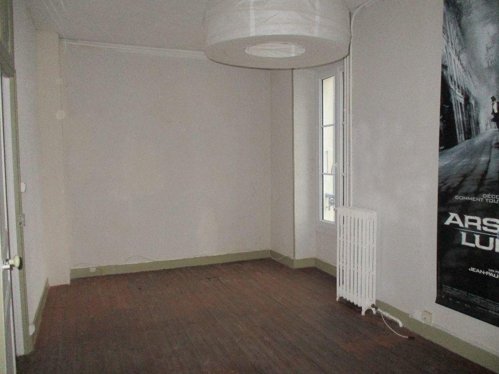 Maison à vendre 4 116m2 à Mamers vignette-11