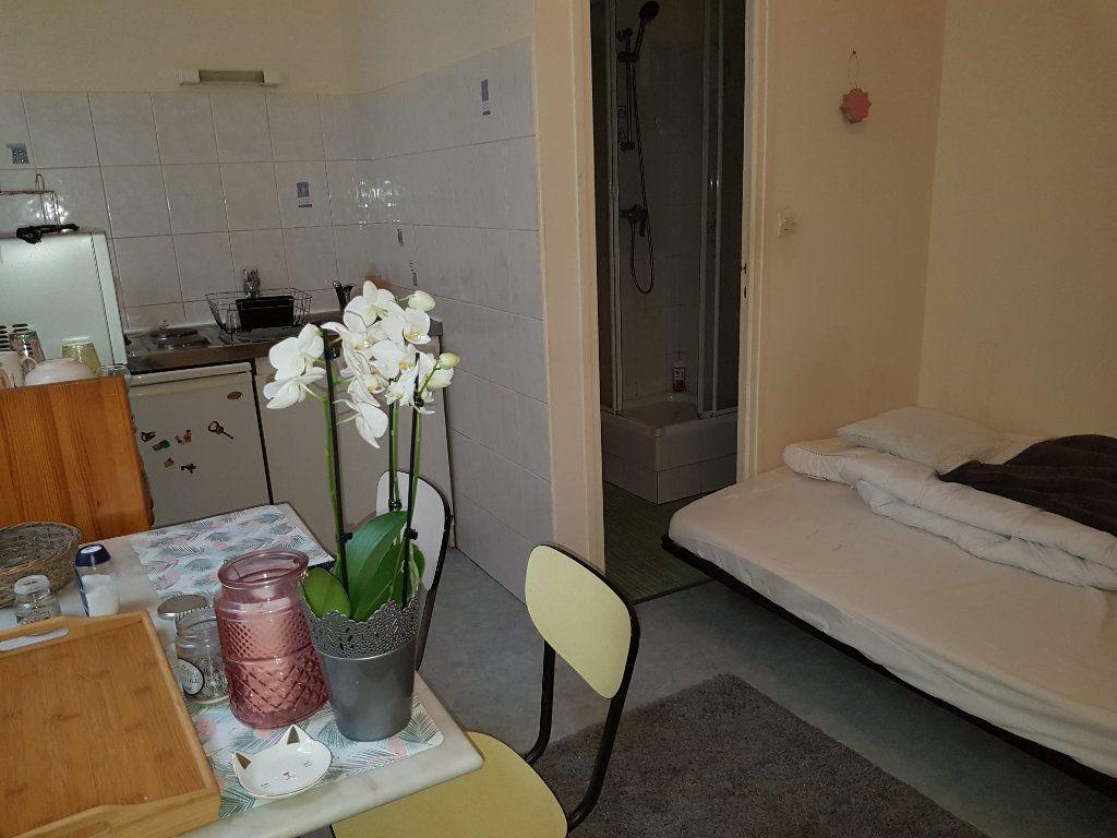 Appartement à louer 1 12.82m2 à Mamers vignette-1