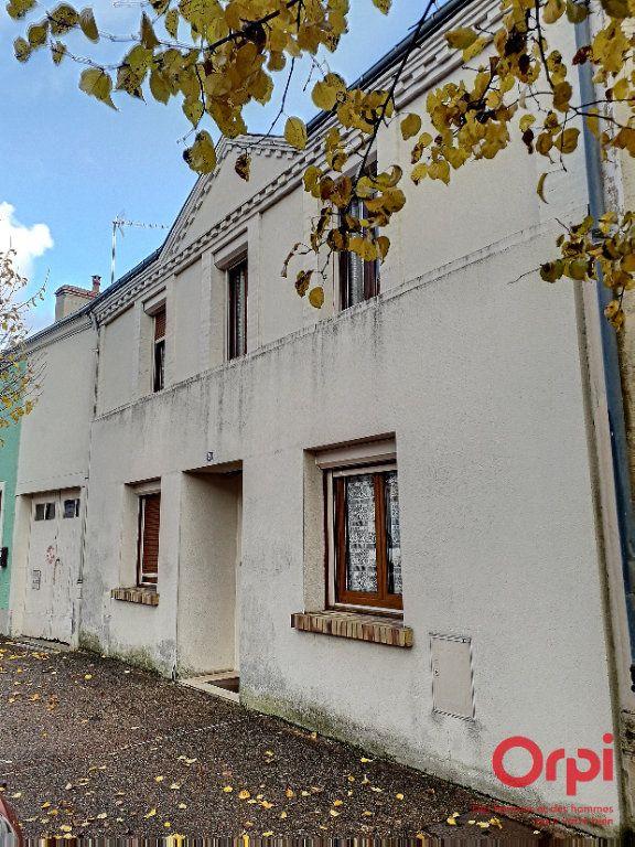 Maison à vendre 6 150m2 à Marolles-les-Braults vignette-1