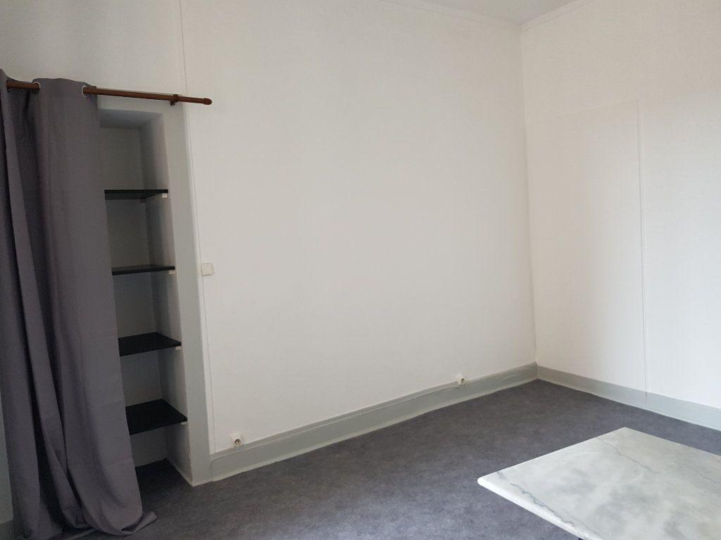Appartement à louer 2 20m2 à Mamers vignette-1