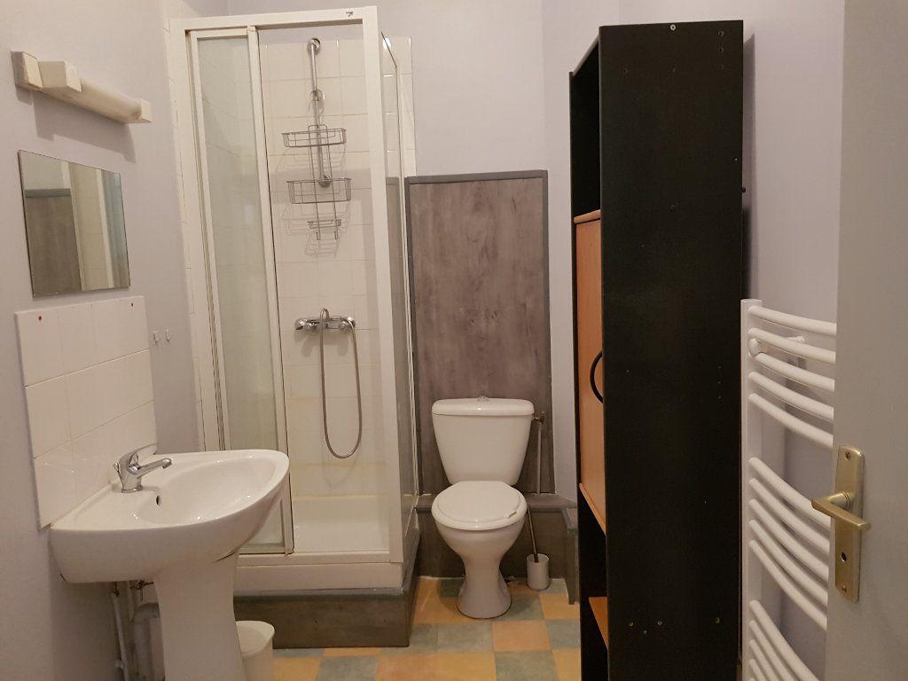 Appartement à louer 2 20m2 à Mamers vignette-3