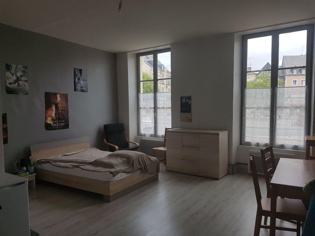 Appartement à louer 1 30m2 à Mamers vignette-2