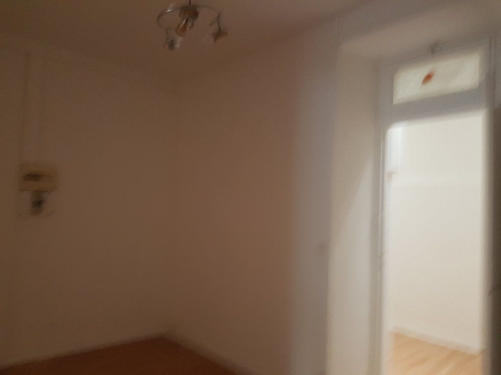 Appartement à louer 2 37m2 à Mamers vignette-4