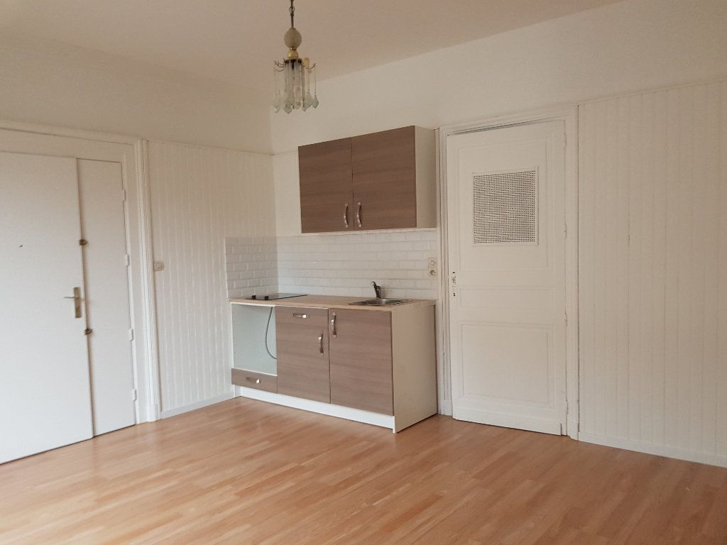 Appartement à louer 2 37m2 à Mamers vignette-7