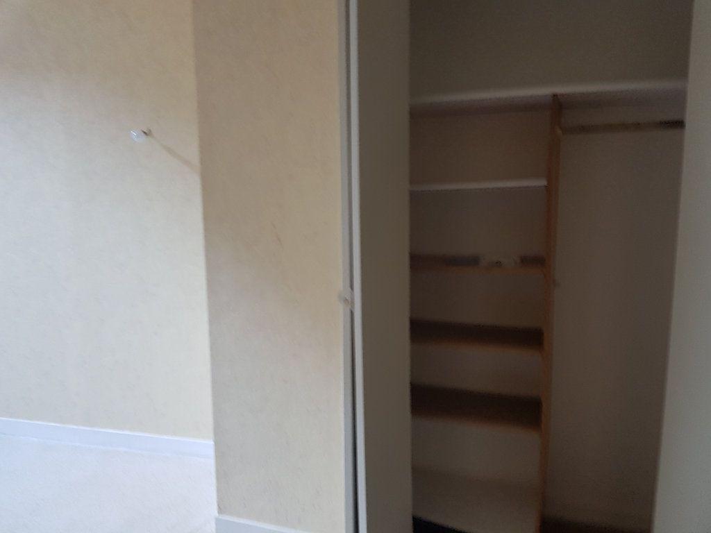 Appartement à louer 2 28m2 à Mamers vignette-5