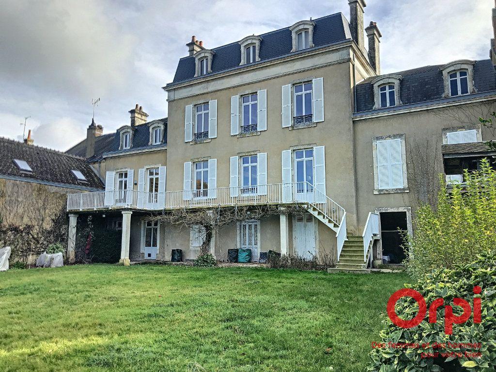 Maison à vendre 9 310m2 à La Ferté-Bernard vignette-1