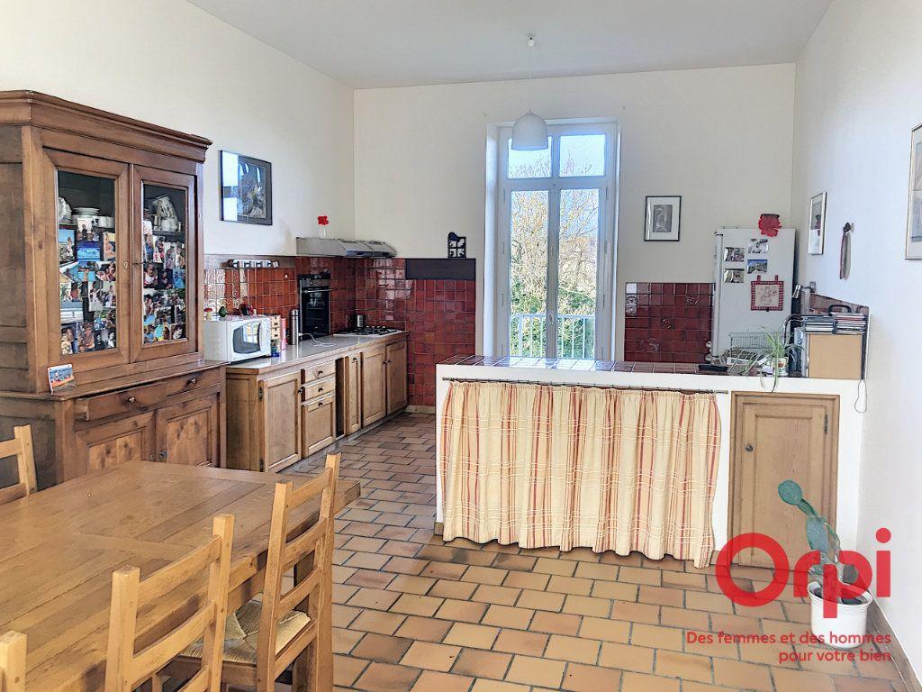 Maison à vendre 9 310m2 à La Ferté-Bernard vignette-4