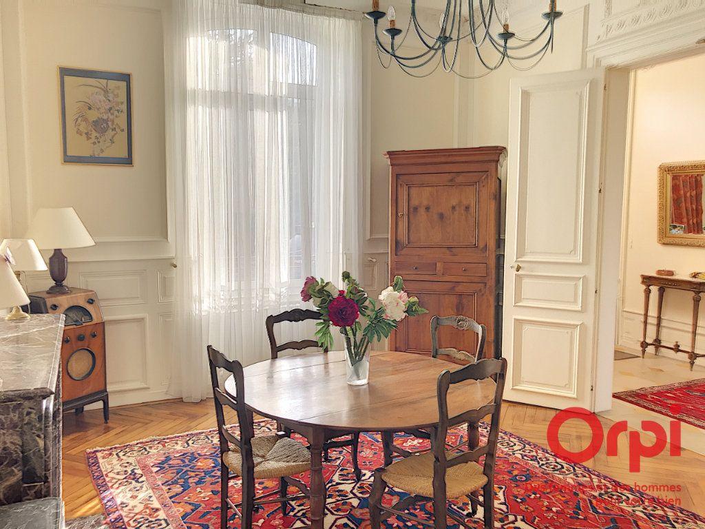 Maison à vendre 9 310m2 à La Ferté-Bernard vignette-5