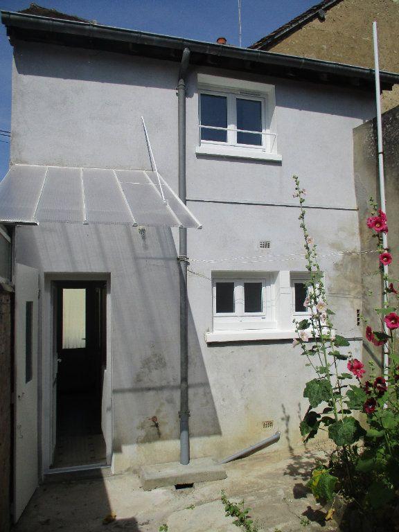 Maison à vendre 4 58m2 à Mamers vignette-1