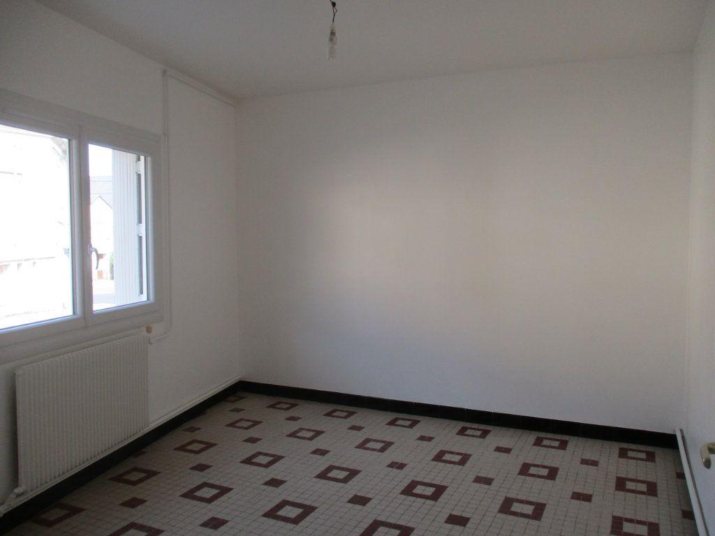 Maison à vendre 4 58m2 à Mamers vignette-3
