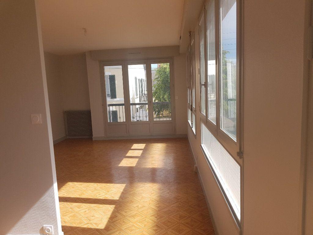 Appartement à louer 2 47m2 à Mamers vignette-4