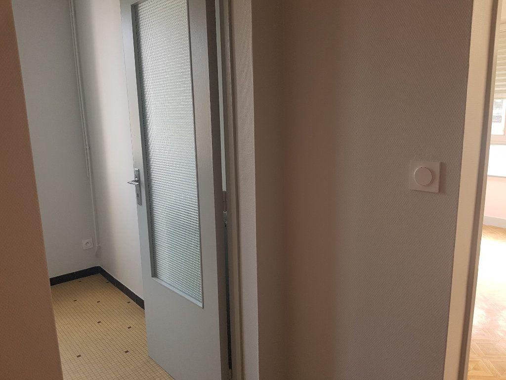 Appartement à louer 2 47m2 à Mamers vignette-5