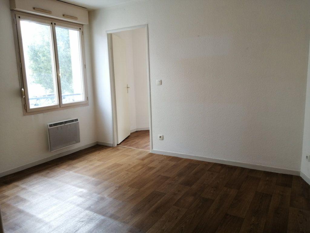 Appartement à louer 2 28.8m2 à Le Mans vignette-1