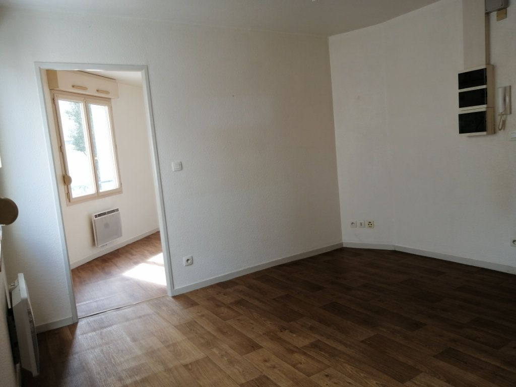 Appartement à louer 2 28.8m2 à Le Mans vignette-2
