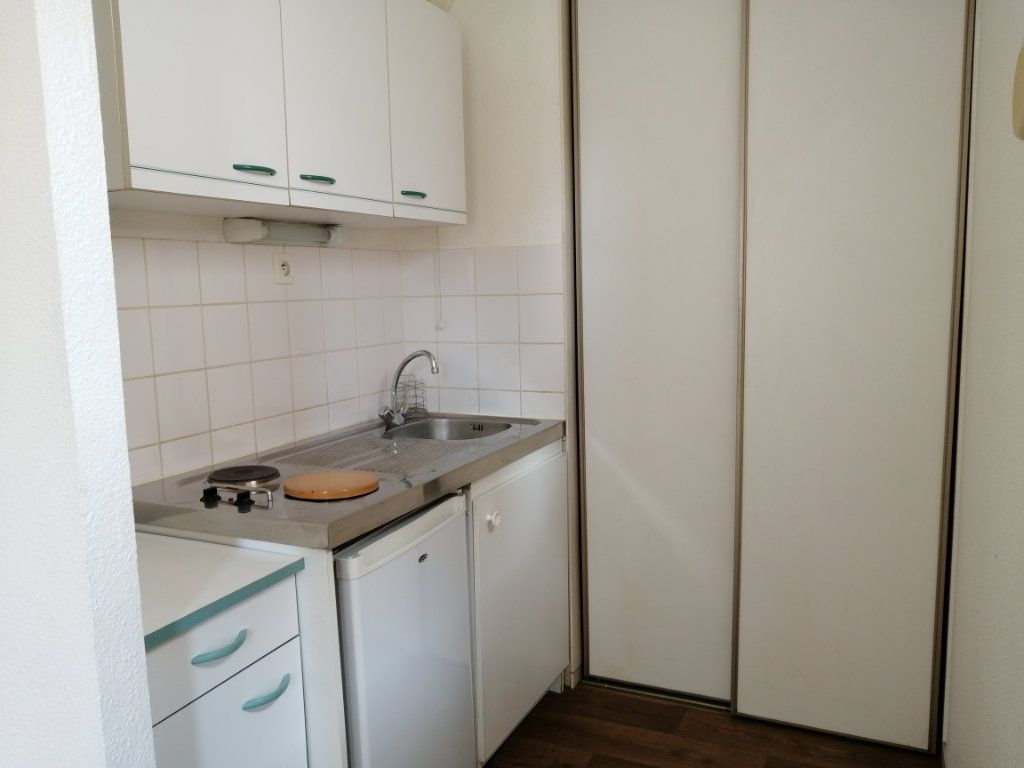 Appartement à louer 2 28.8m2 à Le Mans vignette-3