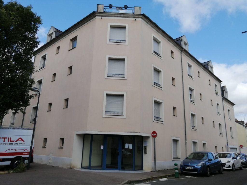 Appartement à louer 2 28.8m2 à Le Mans vignette-6