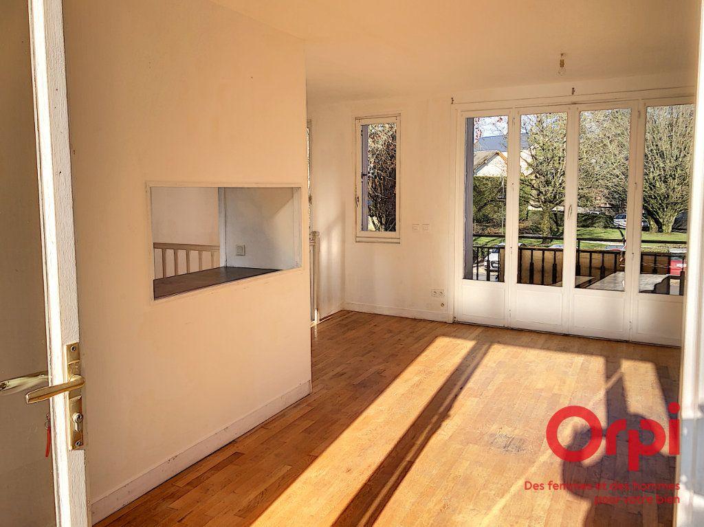 Maison à vendre 4 110m2 à La Ferté-Bernard vignette-2