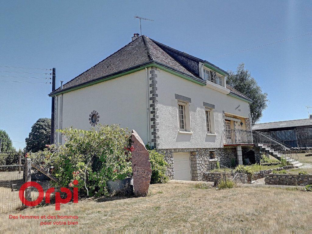 Maison à vendre 5 136m2 à Saint-Rémy-des-Monts vignette-1
