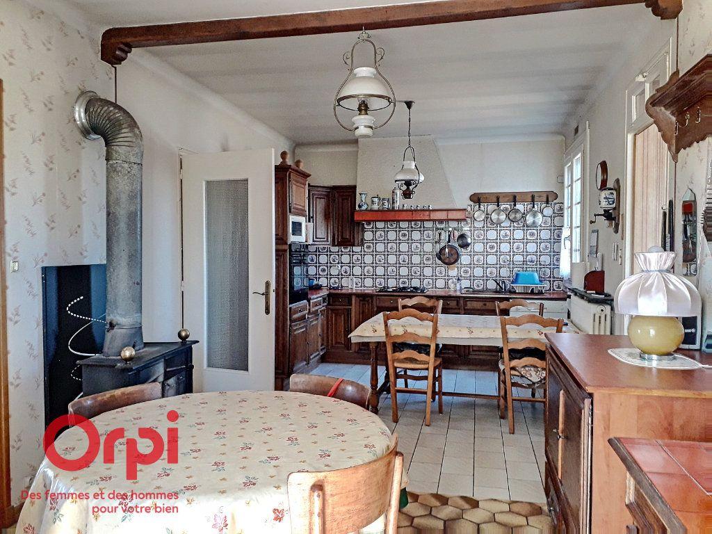Maison à vendre 5 136m2 à Saint-Rémy-des-Monts vignette-2