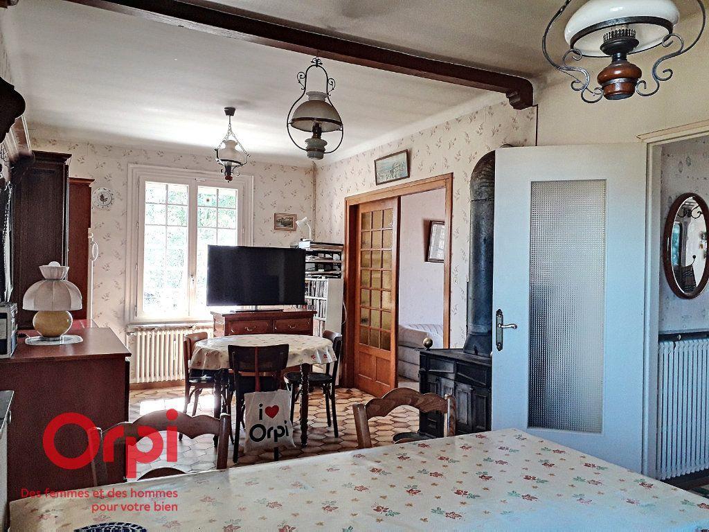 Maison à vendre 5 136m2 à Saint-Rémy-des-Monts vignette-4