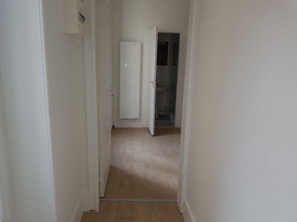 Appartement à louer 1 20m2 à Mamers vignette-3